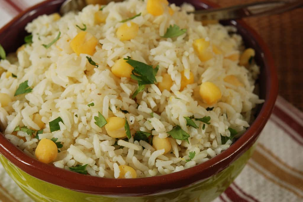 CILANTRO AND HOMINY RICE