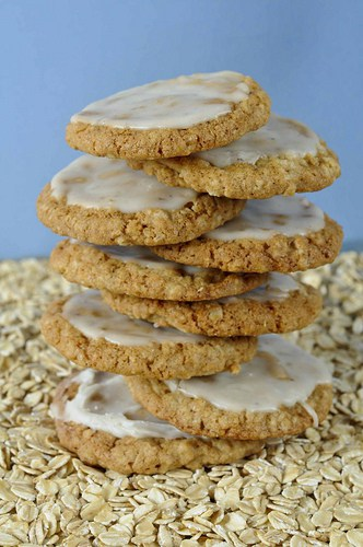 CHEWY OATMEAL COOKIES WITH COFFEE ICING