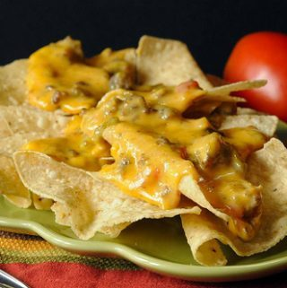 EASY NACHO MEAT AND CHEESE DIP