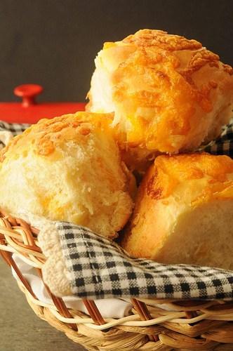 Cheesy-Crusted Yeast Rolls