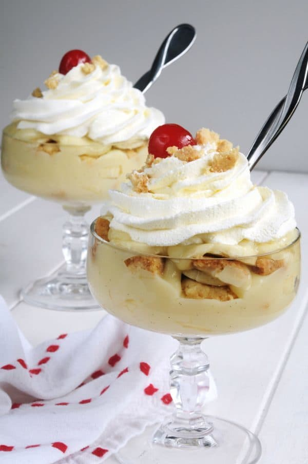 individual servings of banana pudding with homemade shortbread crumbles.