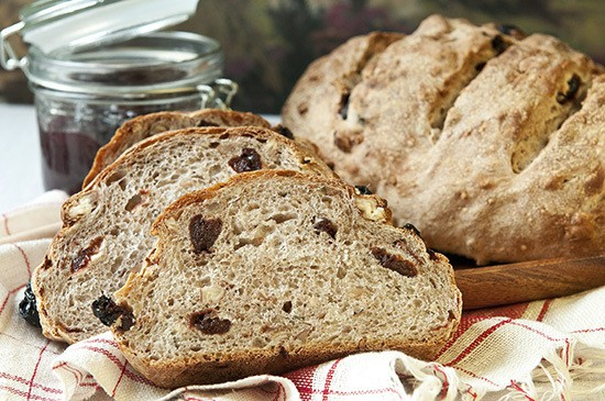 ROSEMARY YEAST BREAD WITH DRIED CHERRIES AND PECANS - slices of bread