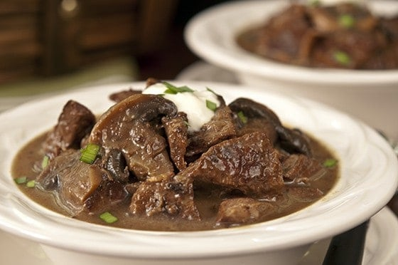 STEAK AND MUSHROOM SLOW COOKER SOUP