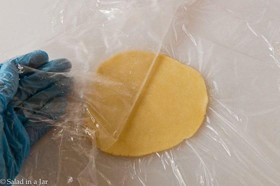 Pumpkin PIe Mini-Tarts-making the crust