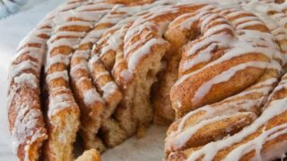 A Texas-Sized Cinnamon Roll from Your Bread Machine