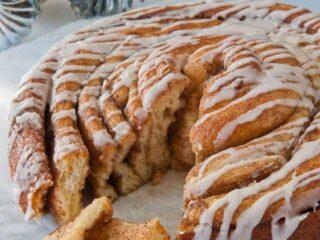 A Texas-Sized Cinnamon Roll from a Bread Machine