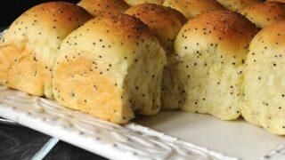 Poppy Seed Yeast Rolls
