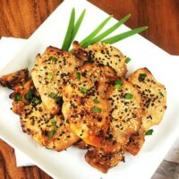 Black and White Sesame-Teriyaki Chicken Thighs