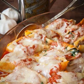 Cheesy Spinach and Mushroom Stuffed Shells