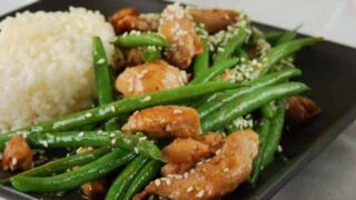 Chicken and Green Bean Stirfry with Sesame Seeds