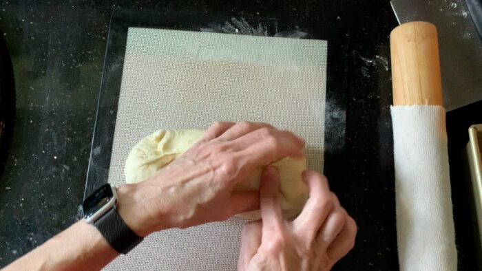Shaping the ends of the loaf